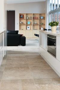 Noce travertine floor