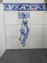 Single fish panel with Flores Grande border