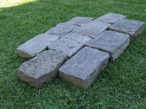 Reclaimed Bluestone Cobblestones